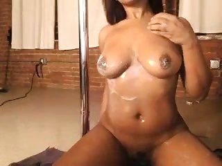 Sexy black girl loves showing off her unvarnished council and I want to eat her 'round up