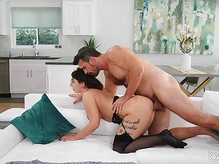 Man deep fucks married woman and cums on say no to face