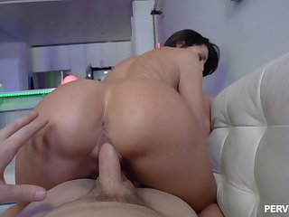 Vivid reverse riding from mommy after she tastes my dick shed weight