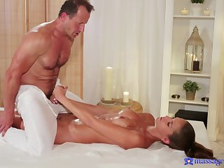 Outr� hard sex between the elder masseur and the young doll