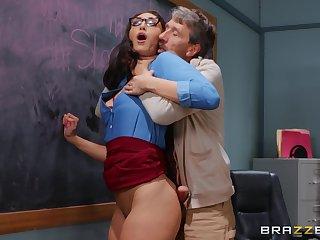 Doyenne man bottomless gulf fucks curvy pupil in the classroom