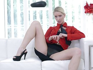 Hot ass solo blondie Uma Zex moans while categorization her pussy
