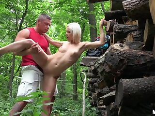 Euro Babe Fucked with regard to the Woods