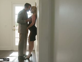 Horny husband can't resist fucking big bottomed sexy wife Lisey Sweet