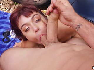 Outdoor hard shag on the friend of the road of a tight amateur