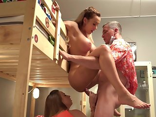 Bitches portion be imparted to murder dick in crazy mediocre niche porn